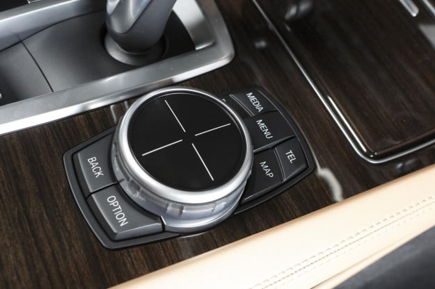 BMW ConnectedDrive Touchpad