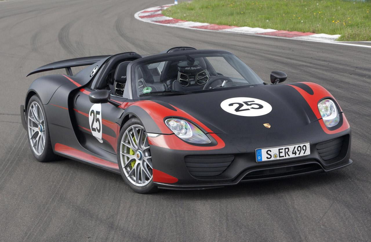 porsche 918 spyder revised specs and tech revealed digital trends. Black Bedroom Furniture Sets. Home Design Ideas
