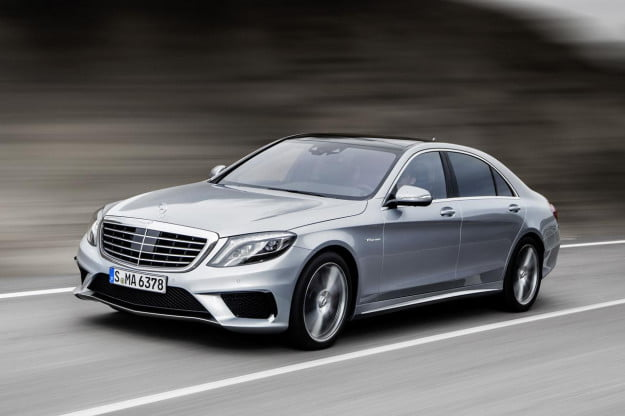 2014 Mercedes-Benz S63 AMG front three quarter motion
