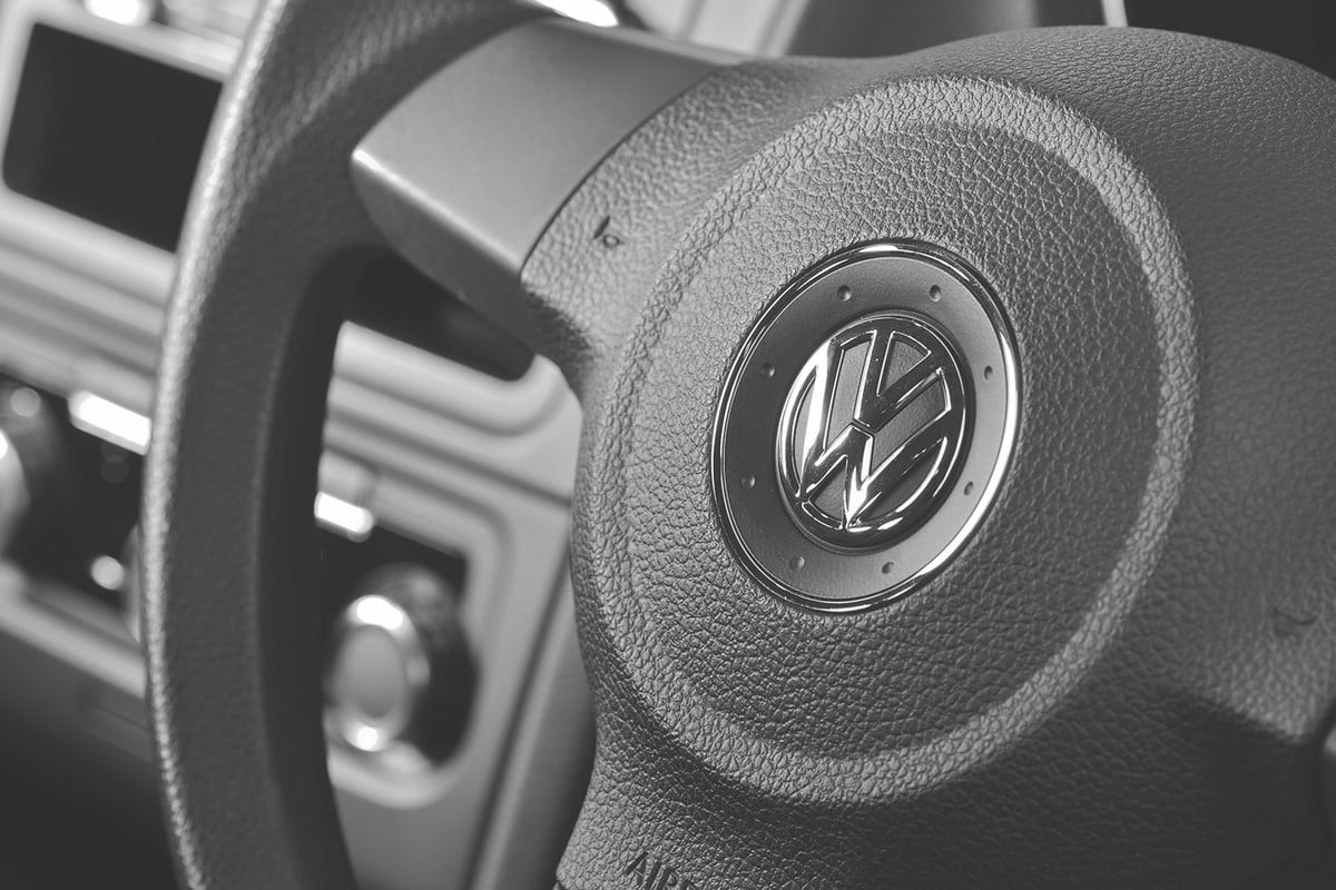 remote key fobs vulnerable vw  million volkswagen vehicles hacked