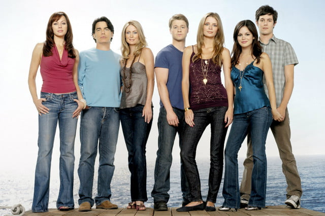the oc is now streaming for free on cw seed  cast rachel bilson zoom