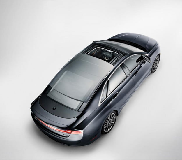 2013 Lincoln MKZ overhead view