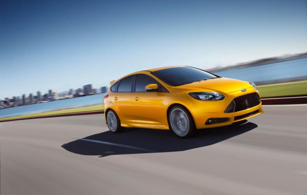 2013 Ford Focus ST front three quarter motion