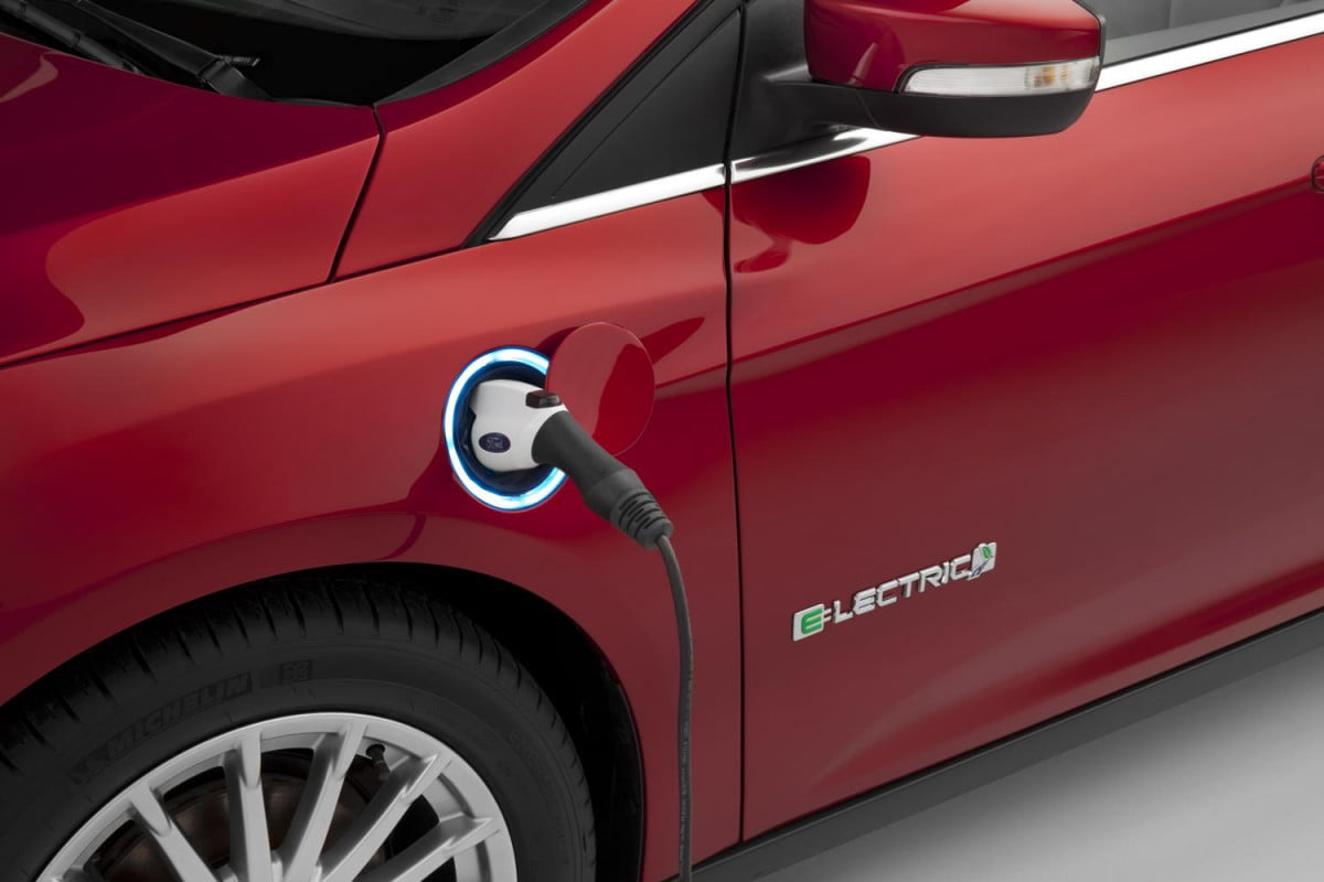 ford plans blitz  new electrified vehicles focus electric