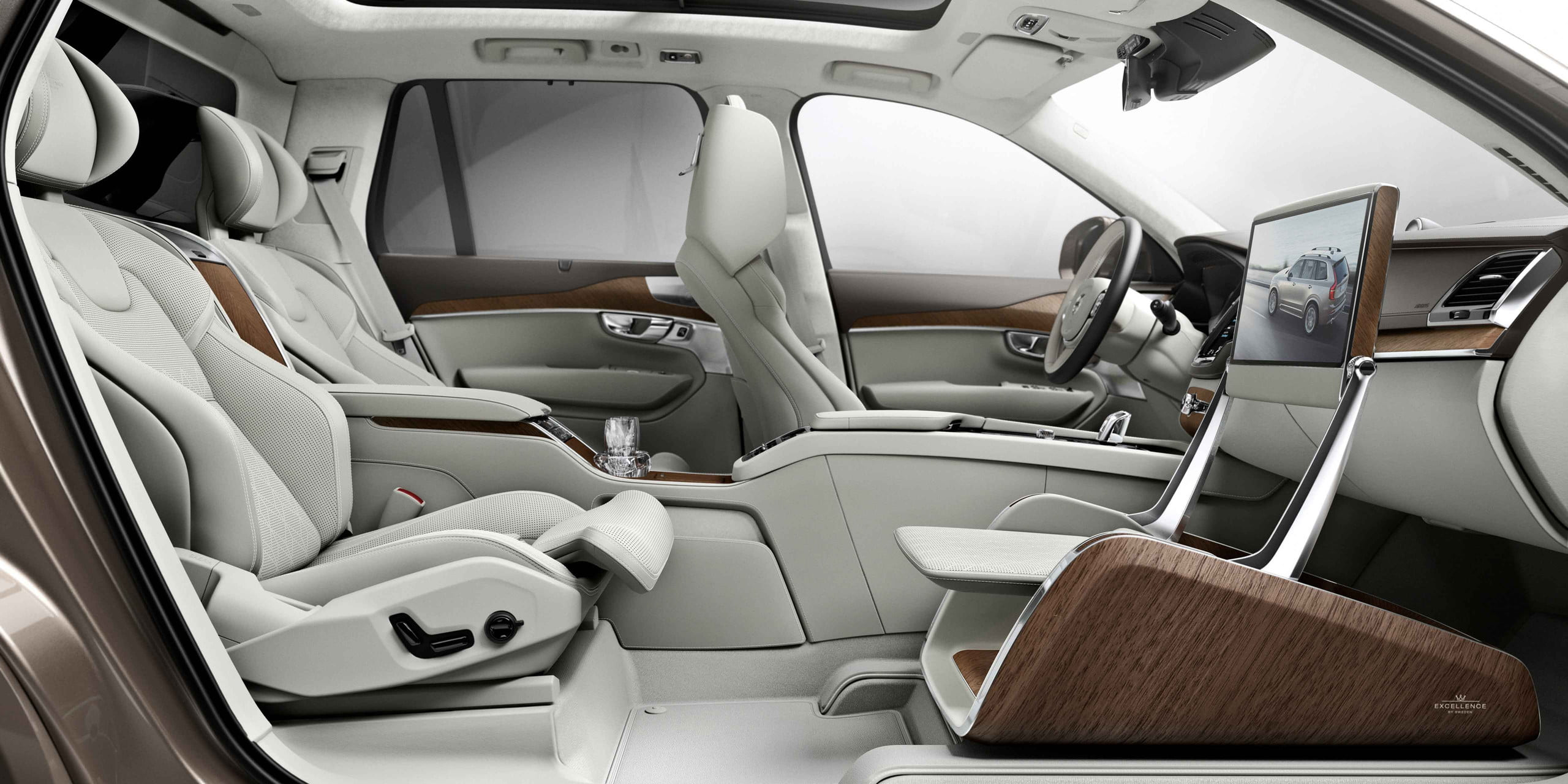 DT10 Cars - Volvo XC90 Excellence Lounge Console