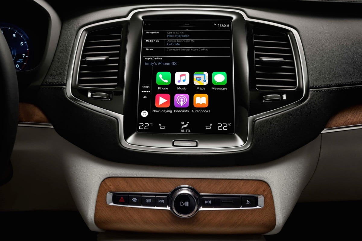 volvo xc  software update adds apple carplay