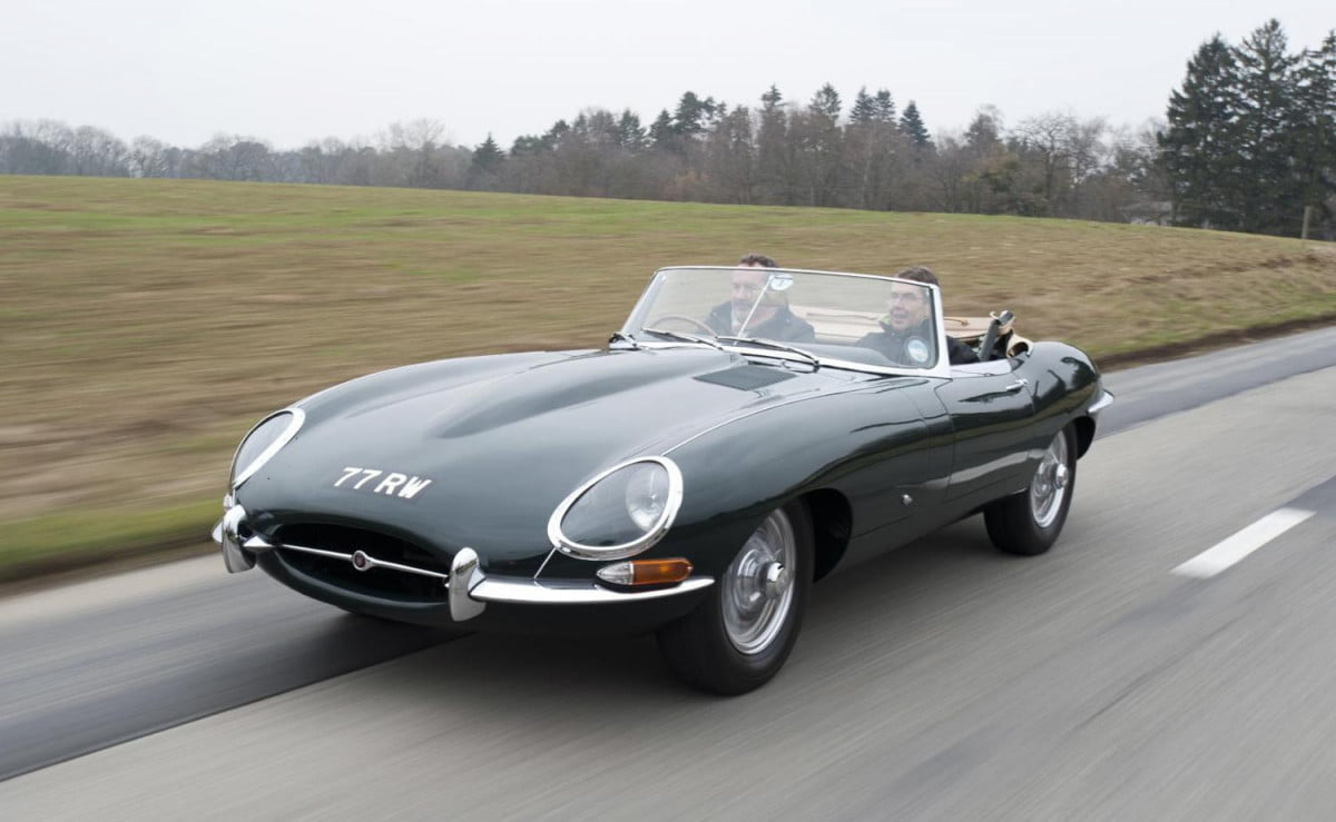 jaguar heritage driving experience puts you behind the wheel of classics  e type