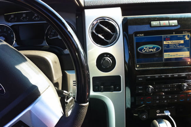 2011-ford-f-150-platinum-dash