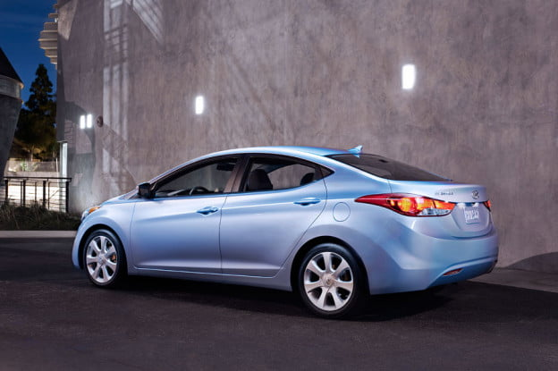 2011-Hyundai-Elantra-blue-rear