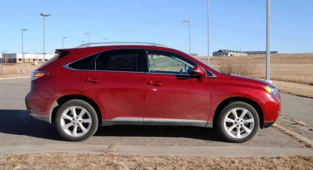 2011-Lexus-RX350-left-side