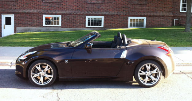 2011-nissan-370z-roadster-side