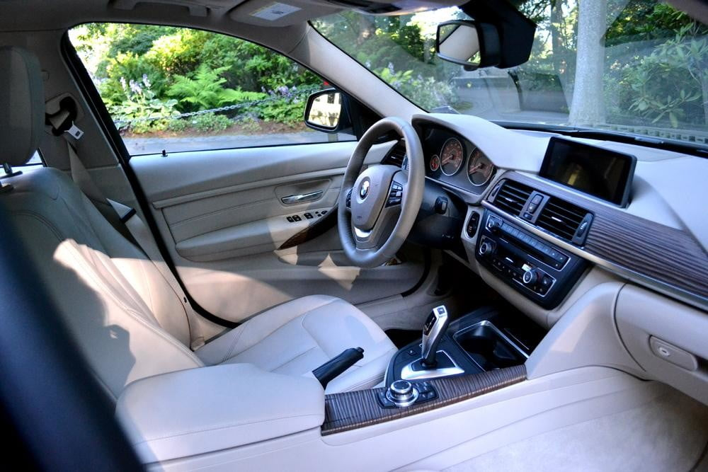 2012 BMW 335i review interior drivers seat car review