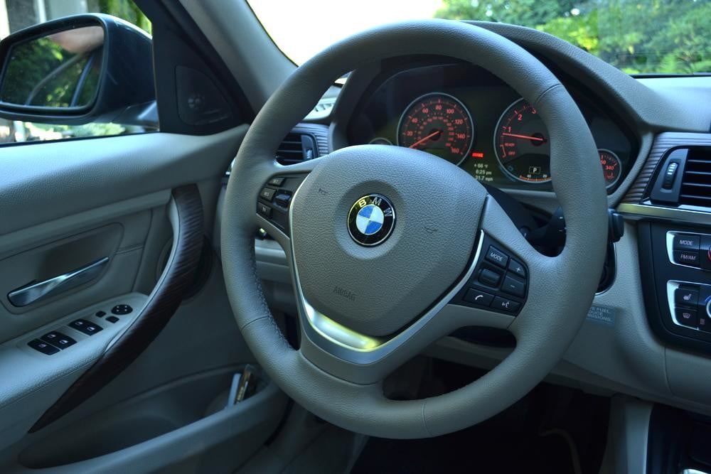 2012 BMW 335i review interior steering wheel car review