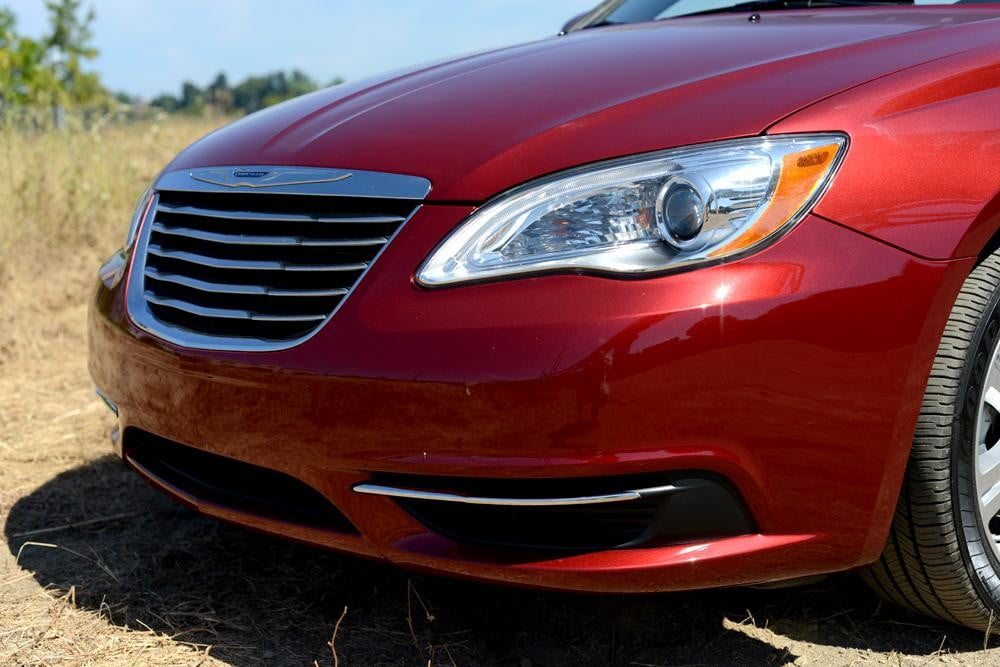 2012 Chrysler 200 Convertible review exterior front angle touring
