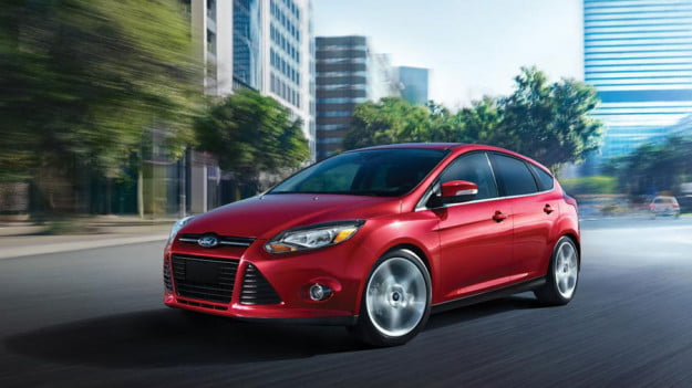 2012-Ford-Focus-red-front
