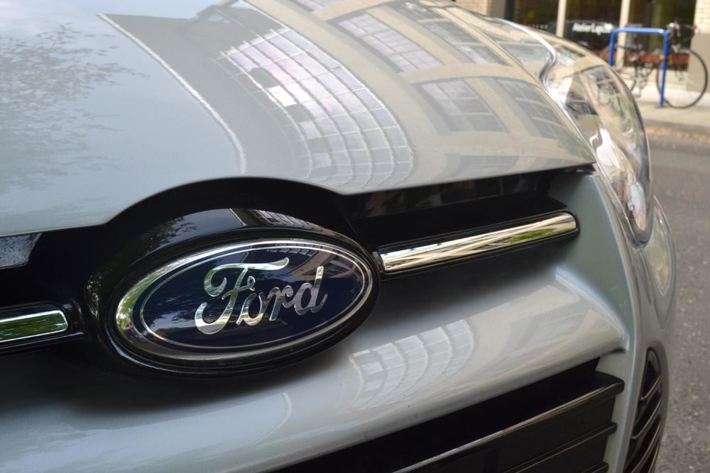 2012 Ford Focus SEL Review front emblem