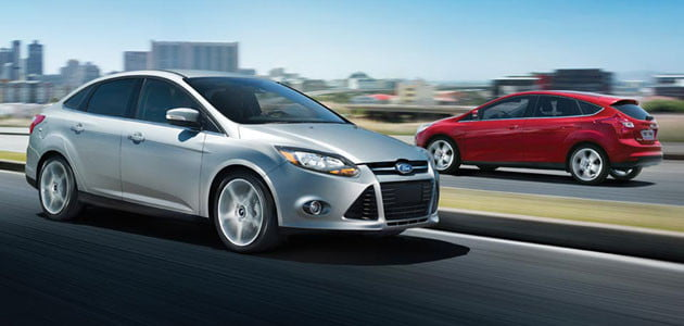 2012-Ford-Focus-silver-red-fp