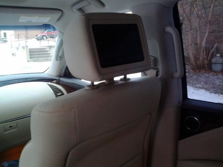 2012-Infiniti-QX56-rear-lcd-screens