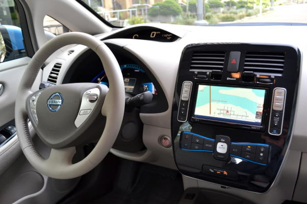 2012 Nissan Leaf review interior dash wheel