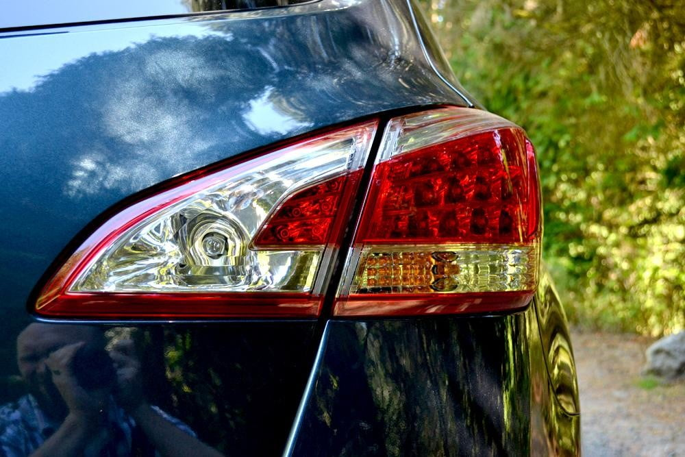 2012 Nissan Murano Crossover Review exterior right taillight car review