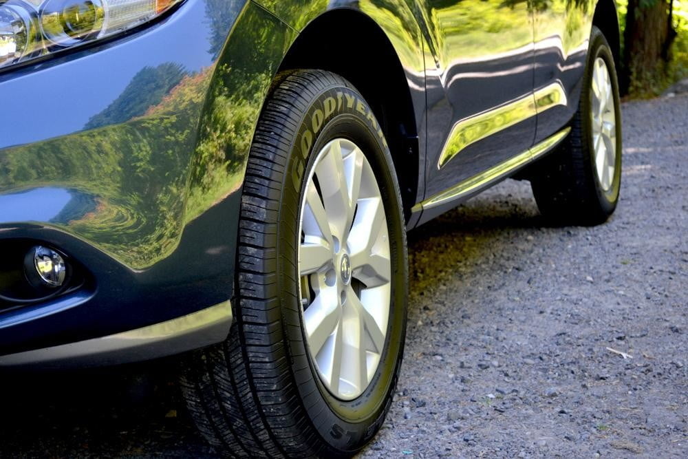 2012 Nissan Murano Crossover Review exterior tires car review