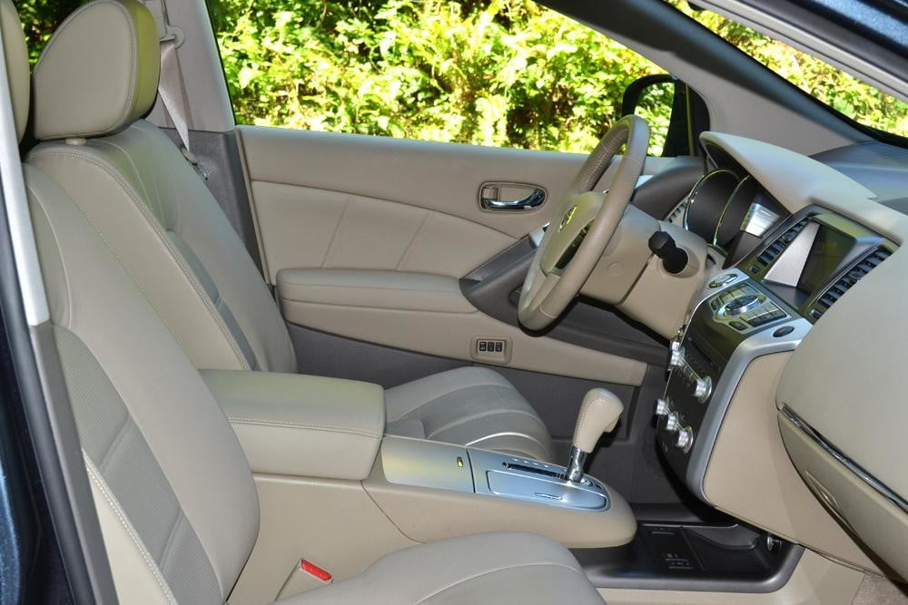 2012 Nissan Murano Crossover Review interior front seats car review