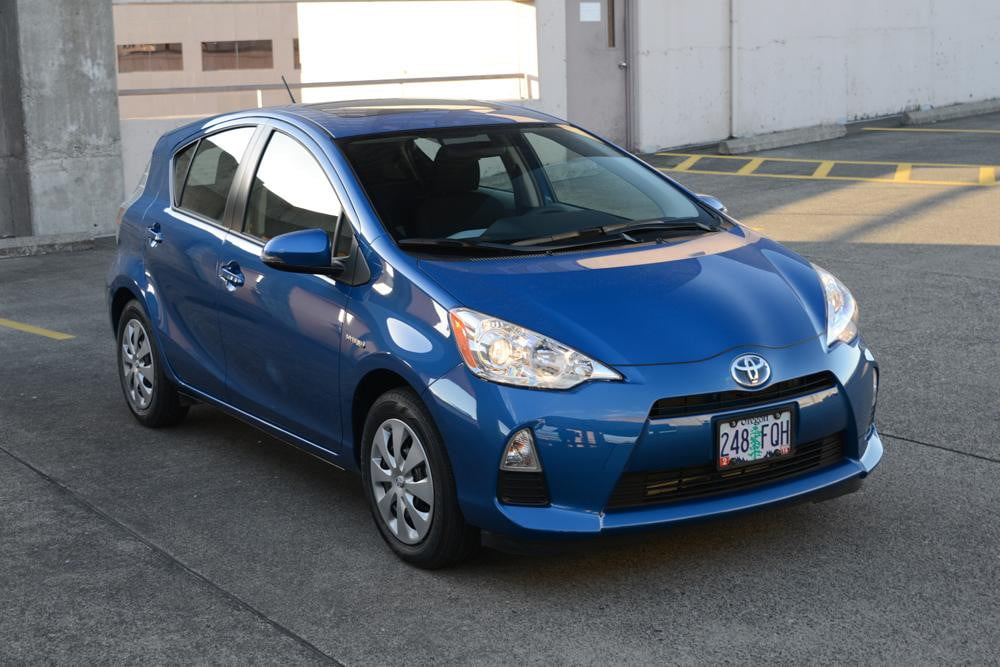 2012 toyota prius c review digital trends. Black Bedroom Furniture Sets. Home Design Ideas
