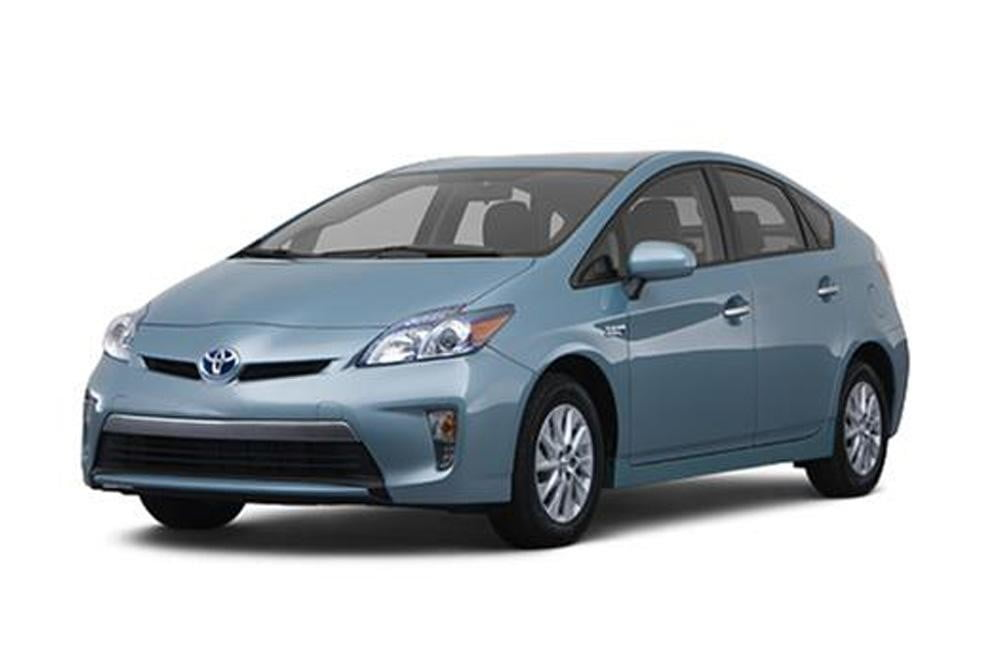 2012-Toyota-Prius-Plug-in-press-image