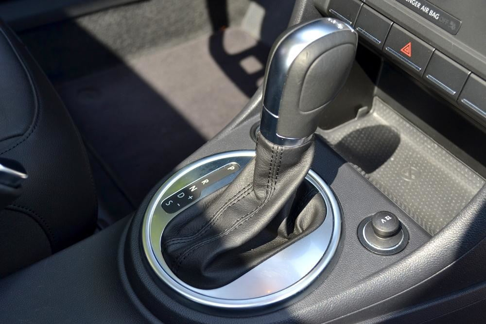 2012 Volkswagen Beetle review shifter