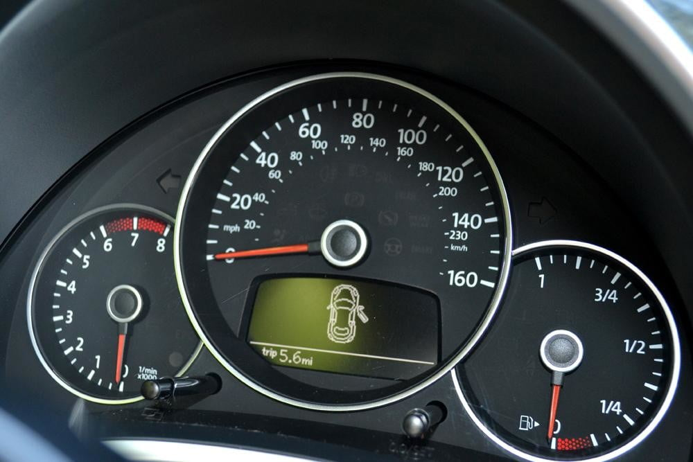 2012 Volkswagen Beetle review speedometer