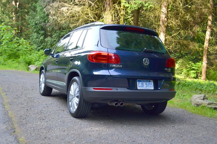 2012 Volkswagen Tiguan review exterior vw car back outside
