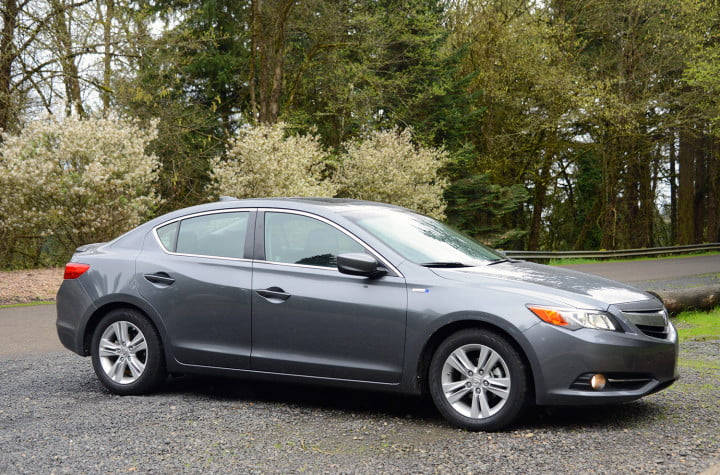 review  acura ilx hybrid mixes honda mpg with upmarket goodies exterior right