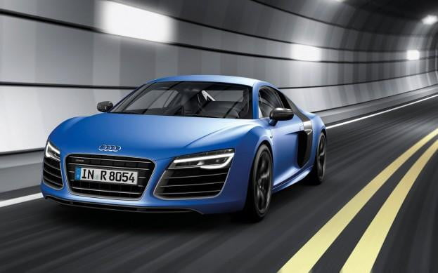 2013 Audi R8 front three-quarter view