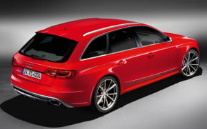 Audi RS4 Avant rear three-quarter