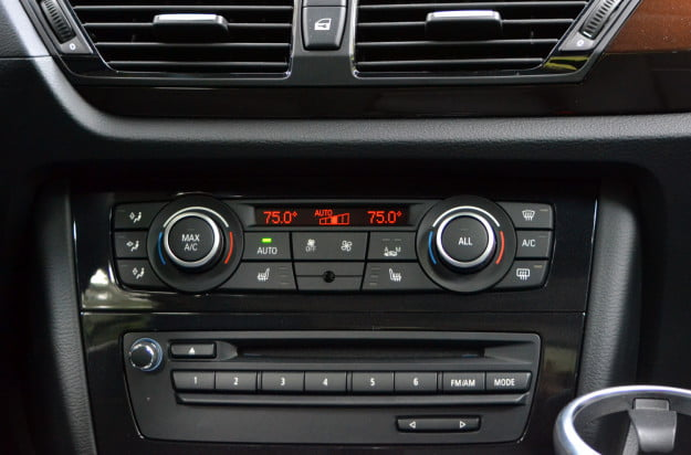 2013 BMW X1 front console