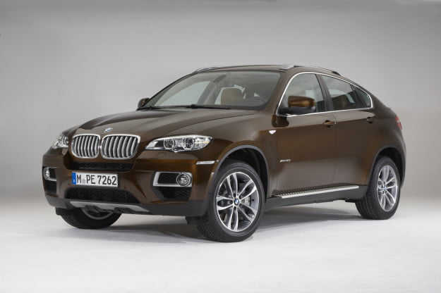 2013 BMW X6 front three quarter