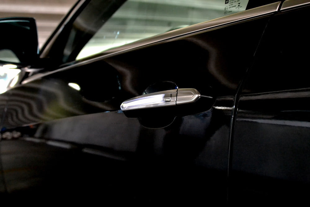2013 Cadillac ATS review LED doorhandle