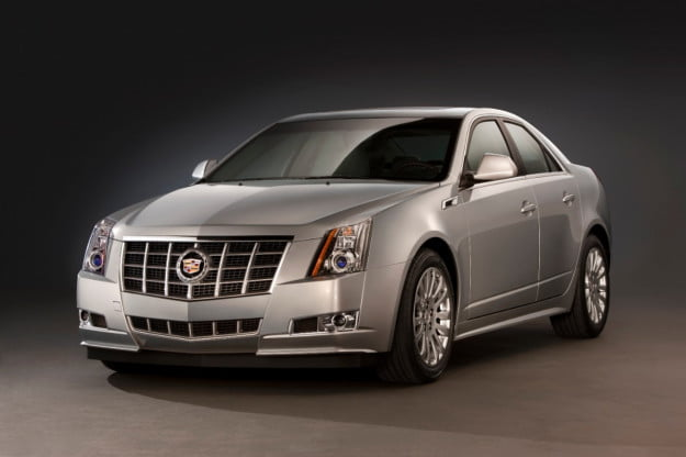 2013 Cadillac CTS sedan front three quarter