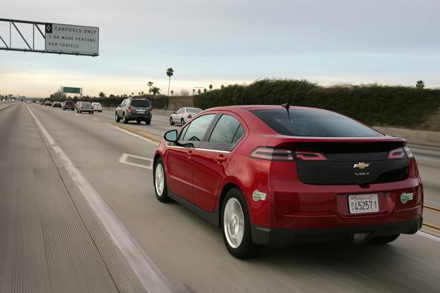 """2013 Chevrolet Volt gets boost to all electric range, """"EV Hold Mode"""" and more"""