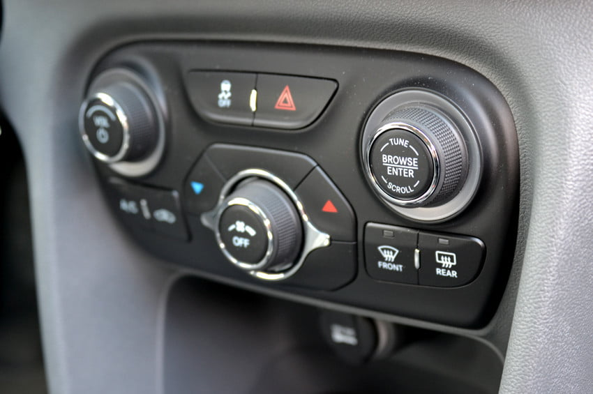 2013 Dodge Dart review center console dials controls