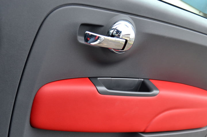 fiat review door handle macro