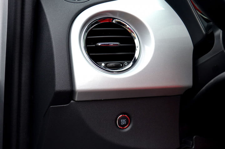 fiat review dash vent