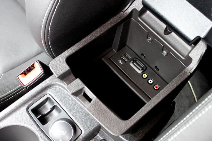 ford focus st review center console ports