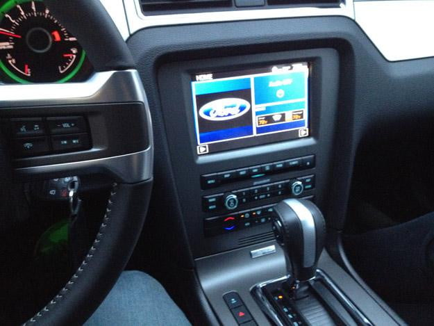 2013-Ford-Mustang-In-Car-Entertainment