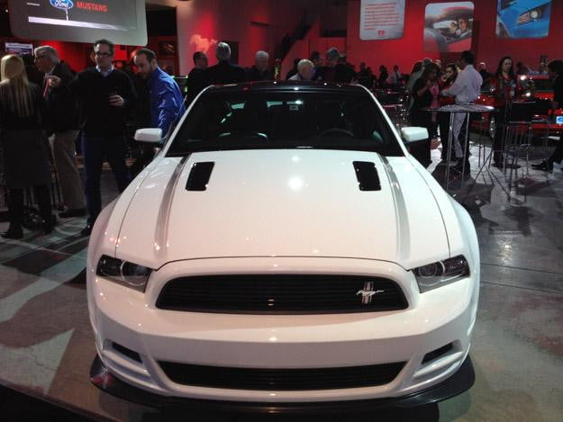2013-Ford-Mustang--White-Front
