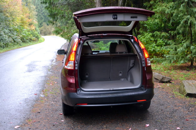 2013-Honda-CR-v-review-trunk