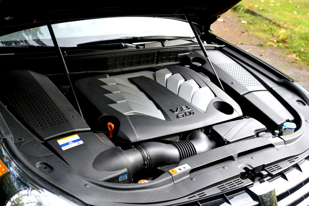 2013 Hyundai Equus review engine luxury car