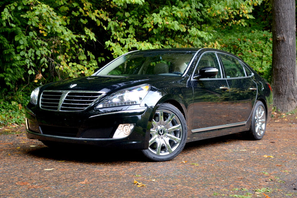 2013 Hyundai Equus review front angle luxury car