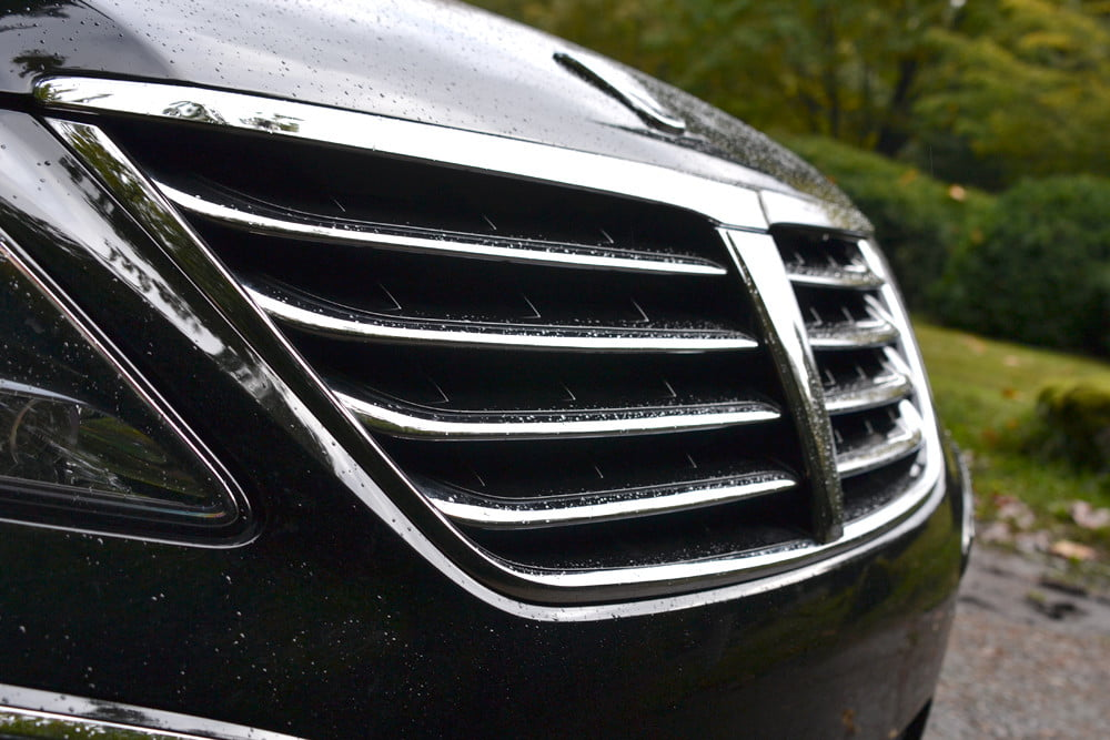 2013 Hyundai Equus review front grill angle luxury car