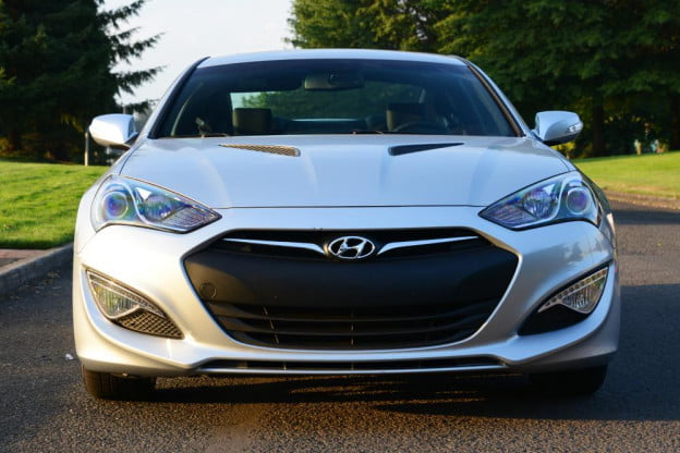 2013 Hyundai Genesis Coupe review front